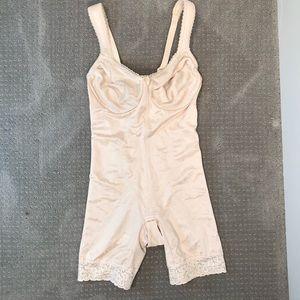 Flexees sz 34D nude bodyshaper vintage